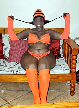 Secret photos of black BBW housewife..